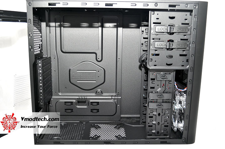 dsc 0057 Cooler Master Elite 430 Black Chassis Review