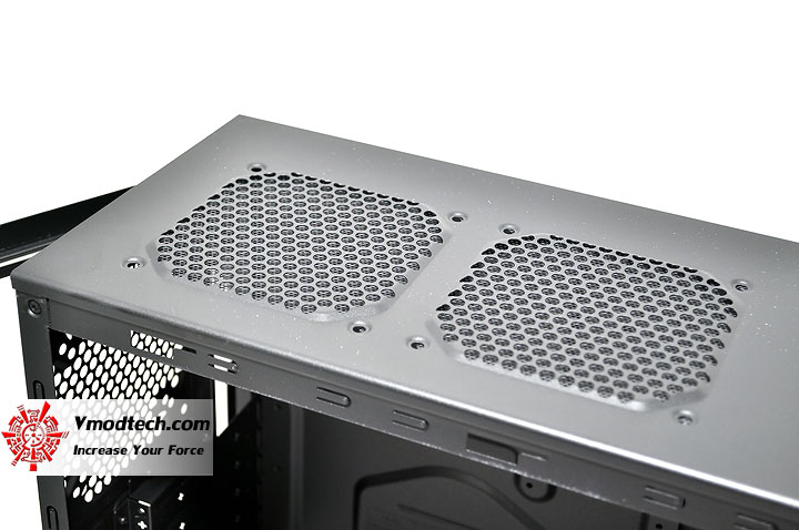 dsc 0060 Cooler Master Elite 430 Black Chassis Review