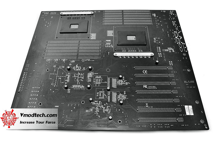 dsc 0448 EVGA Classified Super Record 2 (SR 2) Motherboard