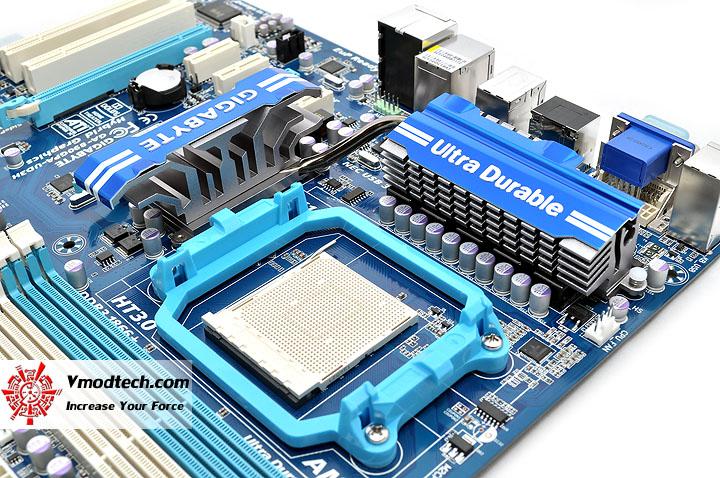 dsc 0078 GIGABYTE GA 890GPA UD3H AMD 890GX Chipset Review