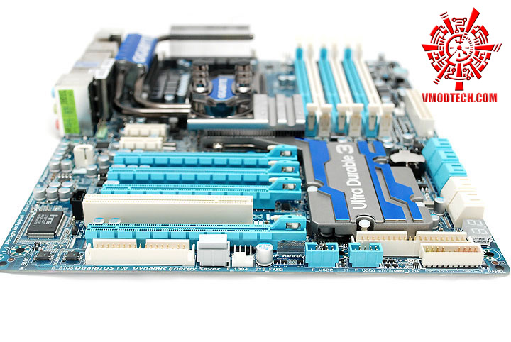 dsc 7918 GIGABYTE GA X58A UD7 : X58 SLGMX Chipset!!