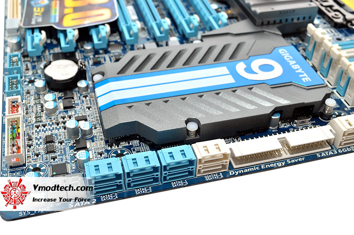 dsc 0012 GIGABYTE GA X58A UD9 XL ATX Motherboard Review