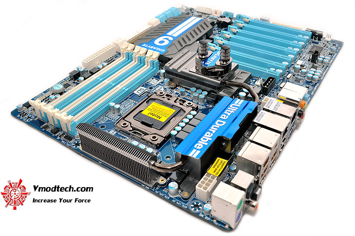 dsc 0021 GIGABYTE GA X58A UD9 XL ATX Motherboard Review