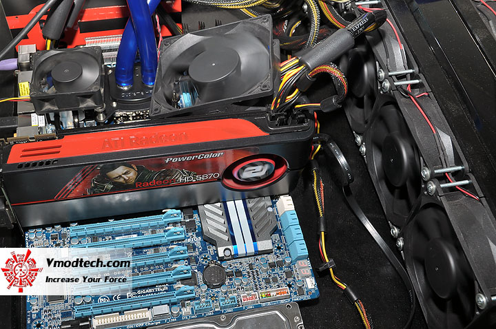 dsc 0022 GIGABYTE GA X58A UD9 XL ATX Motherboard Review