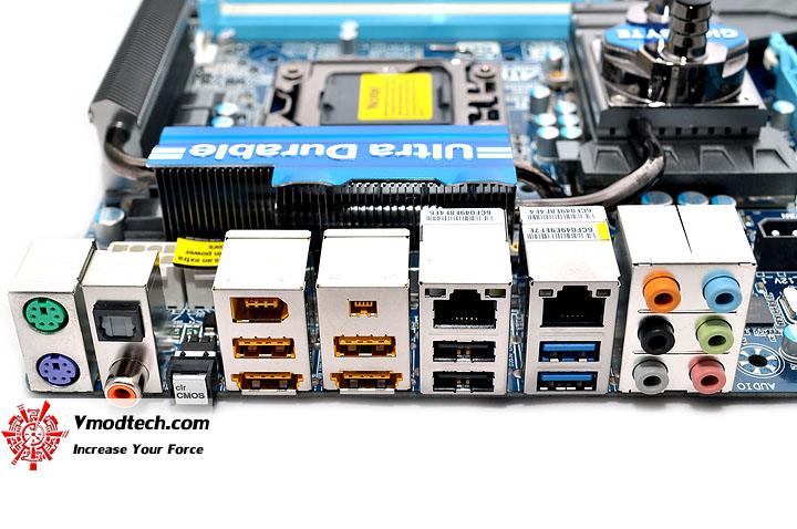 dsc 0099 GIGABYTE GA X58A UD9 XL ATX Motherboard Review