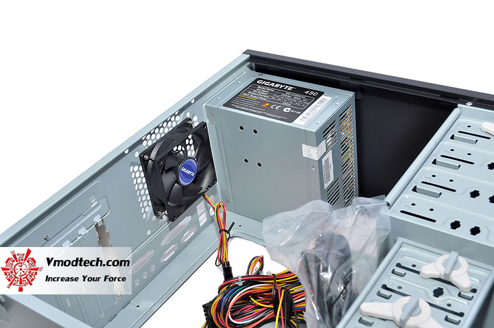 dsc 0018 GIGABYTE GZ X1 & GZ X5 Chassis Review