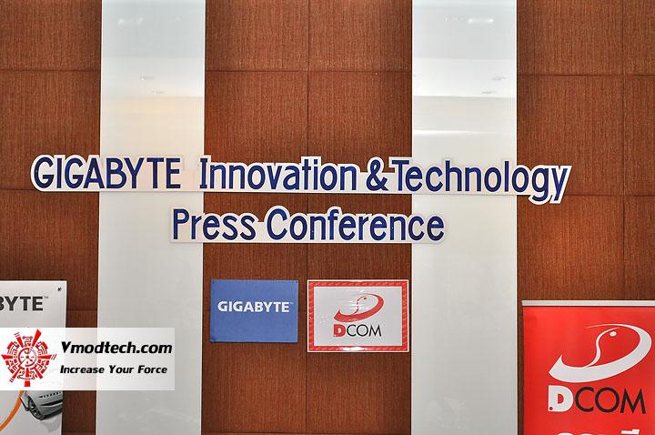 dsc 0001 เปิดตัวอย่างเป็นทางการกับ GIGABYTE Notebook 4 รุ่นใหม่ล่าสุด บุกตลาดเมืองไทย พร้อมตั้งบริษัท ดีคอม เป็นผู้จัดจำหน่ายแต่เพียงรายเดียวในประเทศไทย