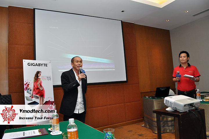 dsc 0010 เปิดตัวอย่างเป็นทางการกับ GIGABYTE Notebook 4 รุ่นใหม่ล่าสุด บุกตลาดเมืองไทย พร้อมตั้งบริษัท ดีคอม เป็นผู้จัดจำหน่ายแต่เพียงรายเดียวในประเทศไทย