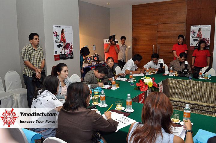 dsc 0012 เปิดตัวอย่างเป็นทางการกับ GIGABYTE Notebook 4 รุ่นใหม่ล่าสุด บุกตลาดเมืองไทย พร้อมตั้งบริษัท ดีคอม เป็นผู้จัดจำหน่ายแต่เพียงรายเดียวในประเทศไทย