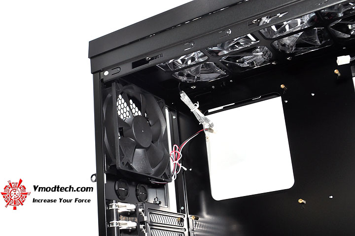 dsc 0060 LANCOOL PC K62 Chassis Review