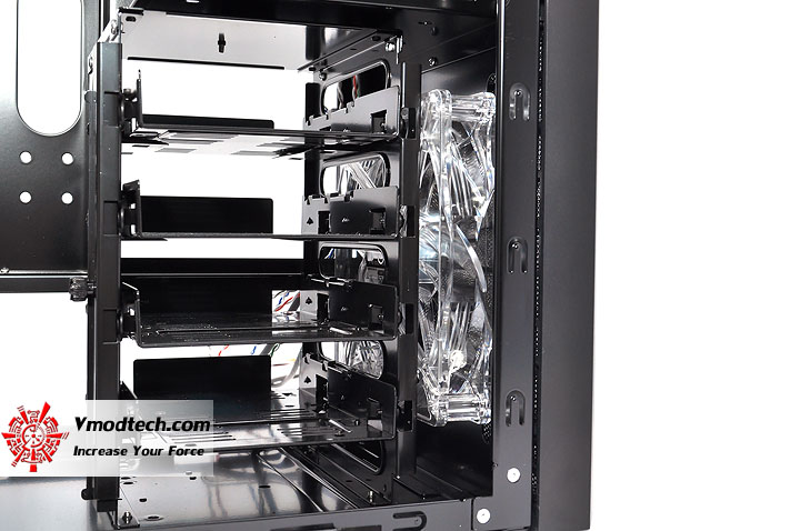 dsc 0064 LANCOOL PC K62 Chassis Review