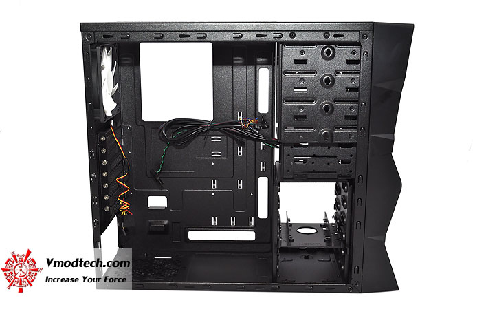 dsc 0100 NZXT M59 Chassis Review