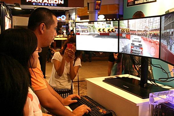 sapphire 13 resize SAPPHIRE โชว์ศักยภาพกราฟฟิคการ์ดแบรนด์ชั้นนำของโลก การันตีคุณภาพความแรงด้วยนักแข่งแชมป์ DiRT2