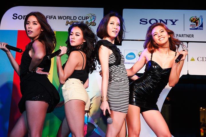 girly berry โซนี่จัด Sony 2010 FIFA World Cup HD Live Party ขอบคุณลูกค้า และสื่อมวลชน