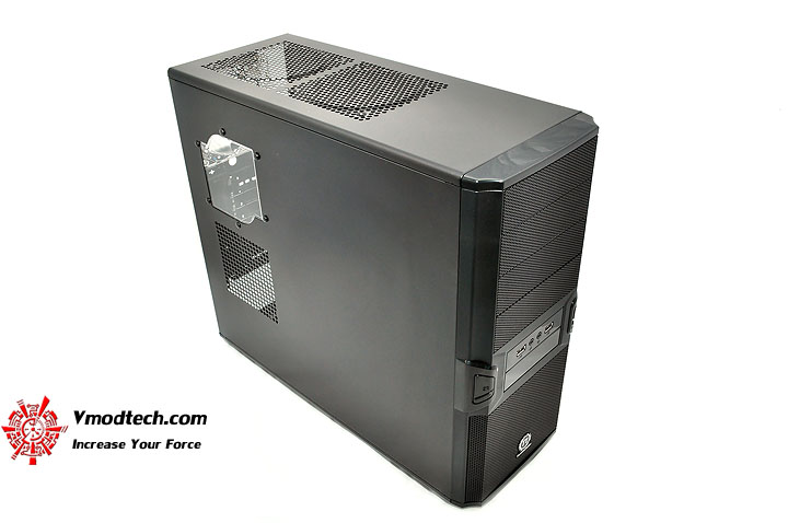 dsc 0188 Thermaltake V3 Black Edition Chassis Review