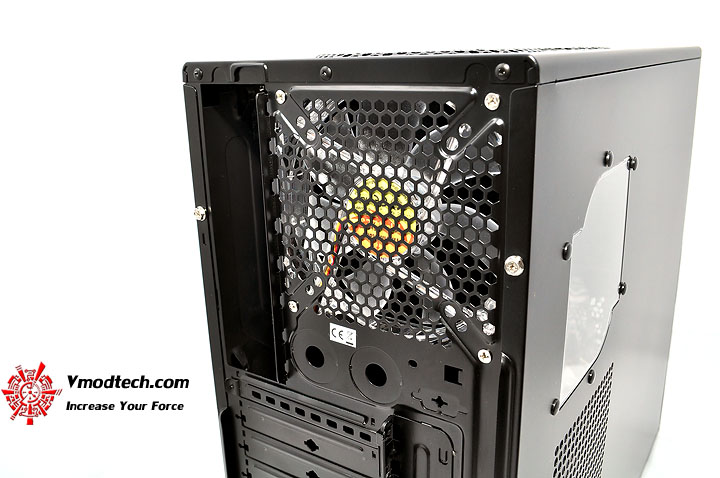 dsc 0202 Thermaltake V3 Black Edition Chassis Review