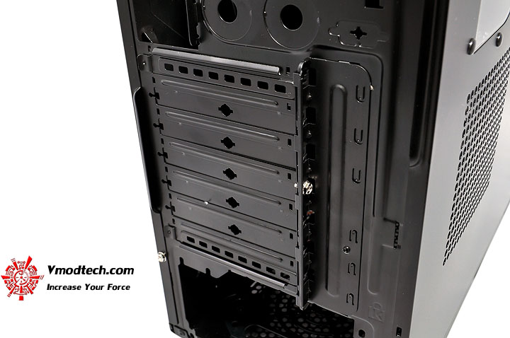 dsc 0203 Thermaltake V3 Black Edition Chassis Review