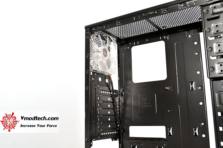 dsc 0209 Thermaltake V3 Black Edition Chassis Review