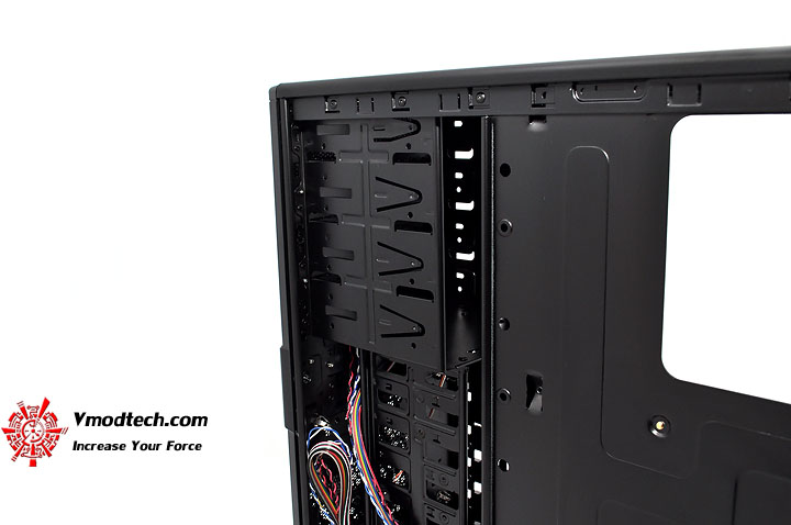 dsc 0220 Thermaltake V3 Black Edition Chassis Review